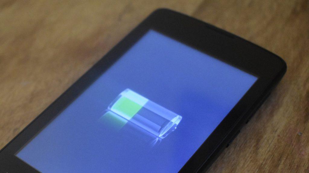 Akkus richtig laden in Smartphones und Notebooks: Tipps, die wirklich etwas bringen