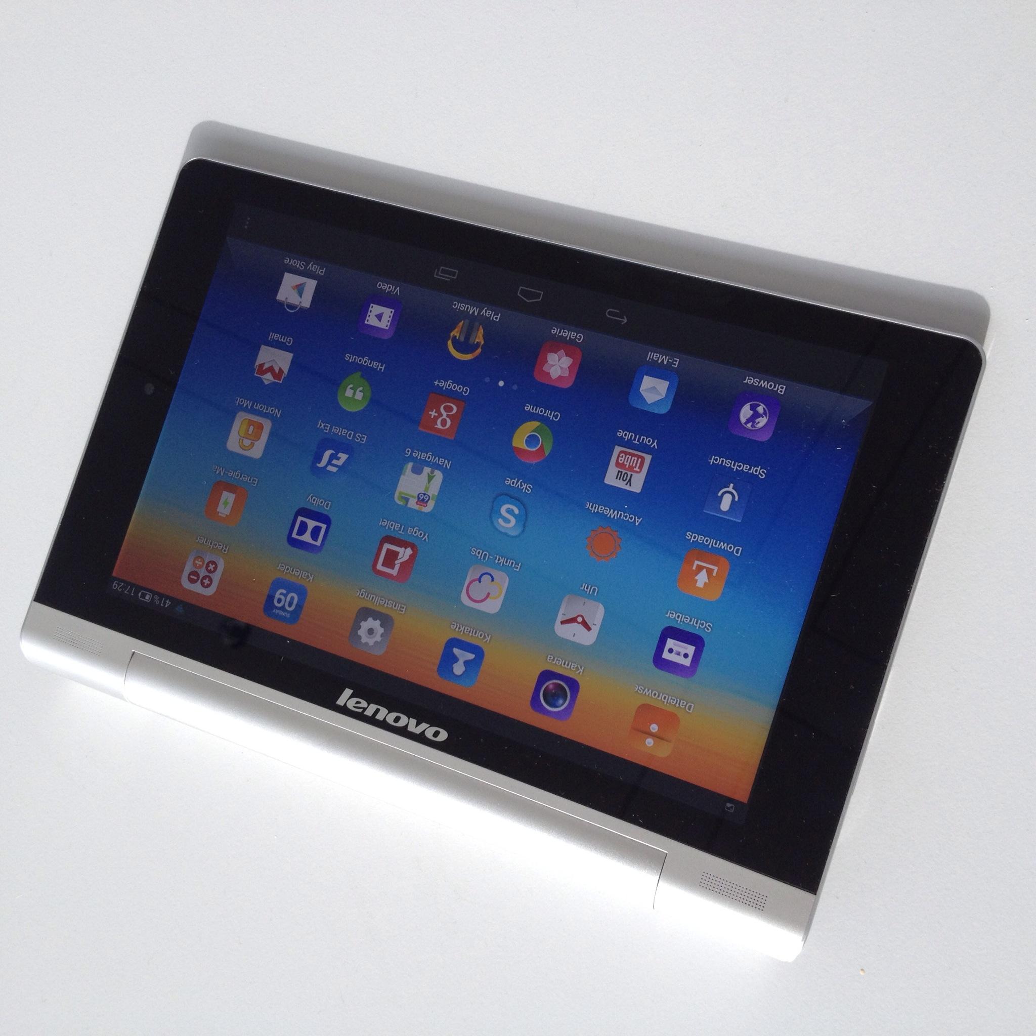 Lenovo Yoga Tablet 8 Mit Eingebautem Stnder Ausprobiert Tab Die Starken Scharnieren Sorgen Ebenfalls Fr Einen Fest Halt Wenn Der Aufgeklappt Ist Und Lassen Das Nicht Ohne Weiteres Nach Hinten