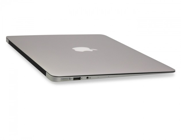 MacBook Air Schnittstellen links