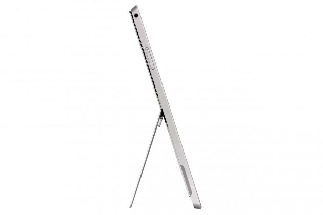 Microsoft Surface Pro 3 aufgestellt