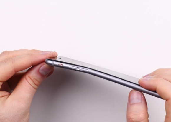 Apple_iPhone_6_Plus_bent