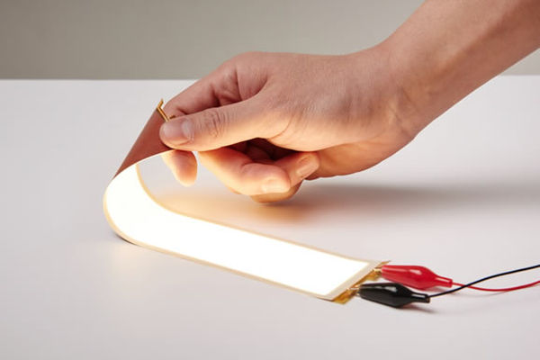 LG-Chem-Plastic-Based-Truly-Flexible-OLED-Light-Panel-_w_600