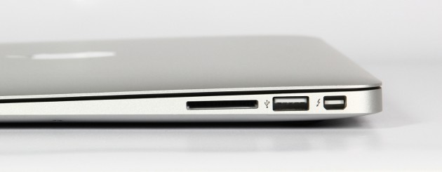 Apple MacBook Air 13 Schnittstellen lrechts
