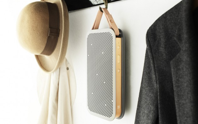 Ein mobiler Lautsprecher muss nicht in der Garderobe auf den nächsten Außeneinsatz warten. Mit dem richtigen Aufstellort spielt er auch zu Hause groß auf.