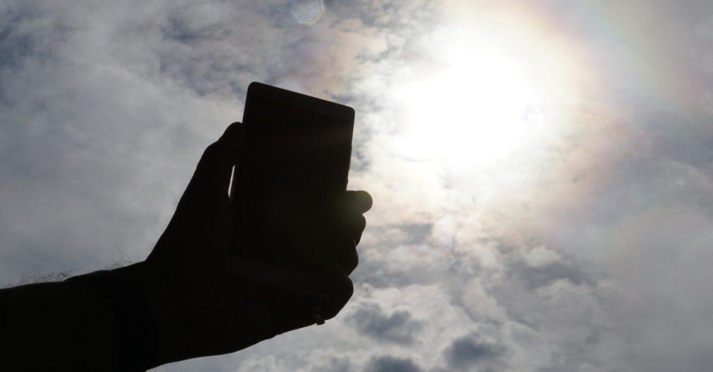 Tipps gegen den sommerlichen Hitzetod von Smartphones