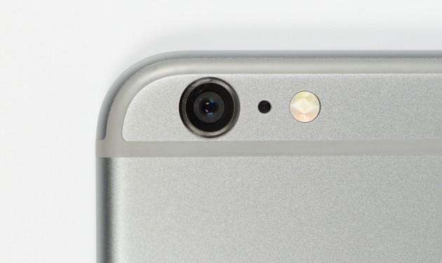 Detailaufnahme Blitz eines Apple iPhones