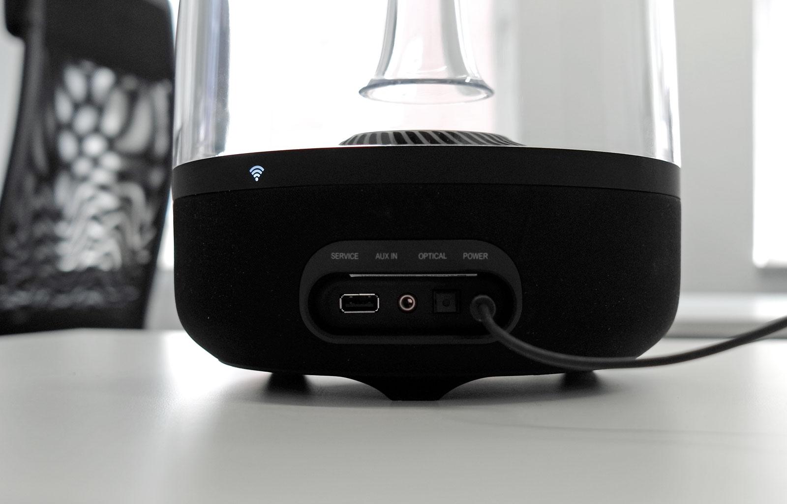 test harman kardon aura airplay lautsprecher. Black Bedroom Furniture Sets. Home Design Ideas