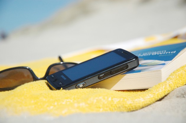 Mobiles Internet Ausland Smartphone Strand