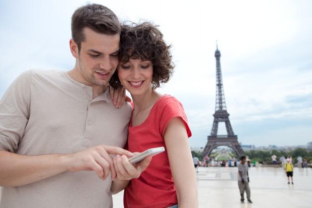 Mobiles Internet Ausland Smartphone unterwegs
