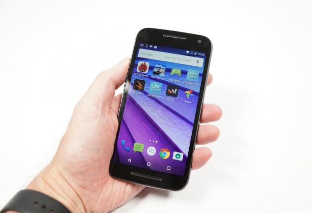 Motorola Moto G3 in Hand