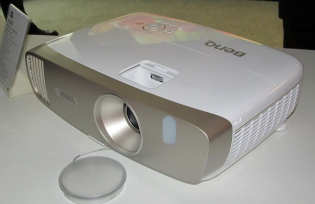 BenQ-W2000-1