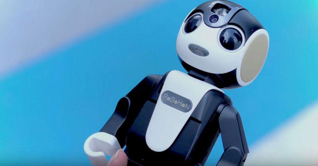 Spricht, tanzt und projiziert: Sharp zeigt Roboter-Smartphone RoBoHon