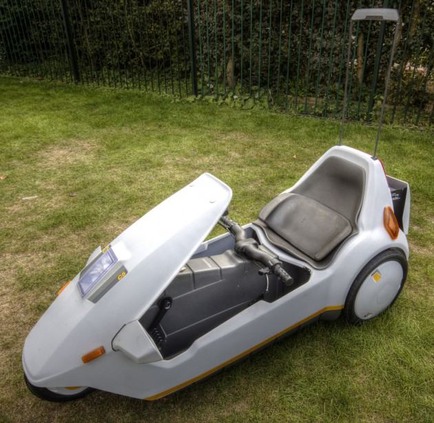 Sinclair_C5_with_high_vis_m