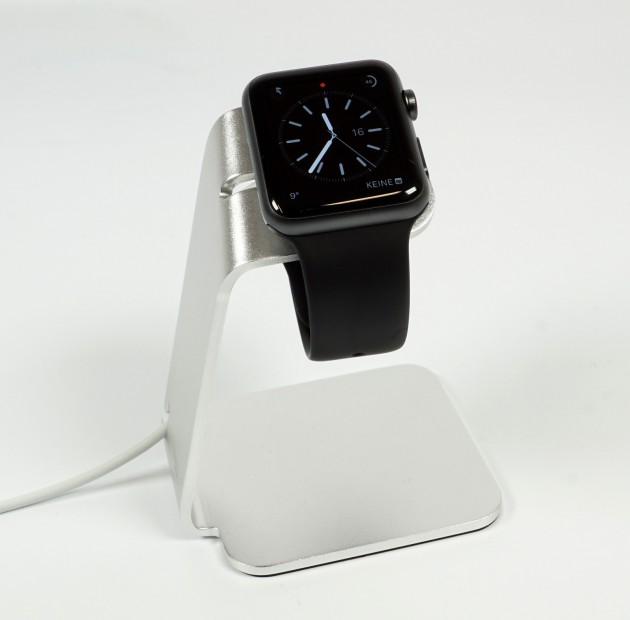 MiTagg NuStand Apple Watch