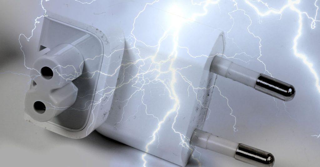 Stromschlag-Gefahr: Apple ruft Netzteilstecker zurück