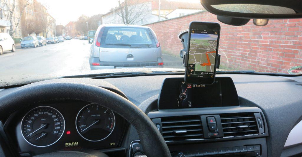 Test iGrip ROK: Günstige Universal-Kfz-Halterung für Smartphones und Phablets