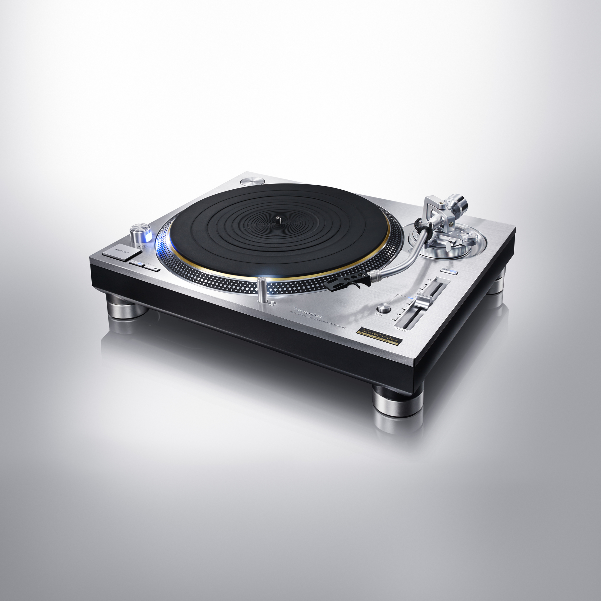 ces 2016 technics sl 1200g sony ps hx500 neue ger te. Black Bedroom Furniture Sets. Home Design Ideas
