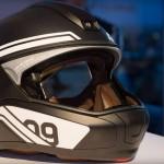 BMW zeigt Motorrad-Helm mit Head-Up Display