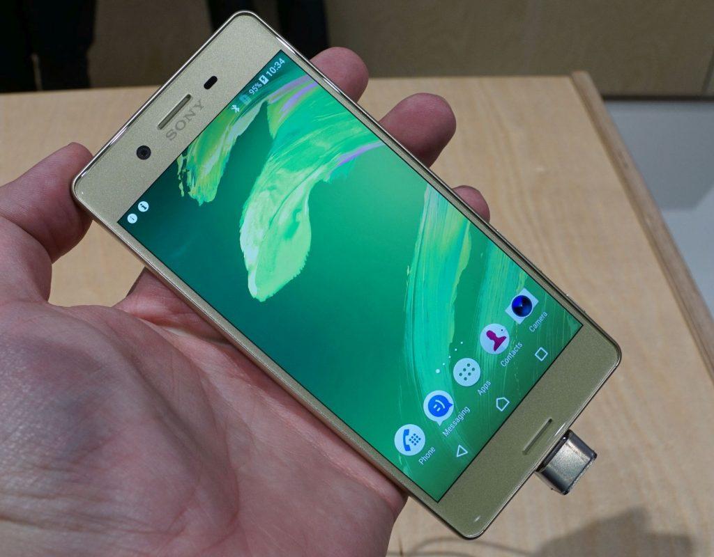 Sony stellt Xperia X und Xperia XA Smartphones offiziell vor