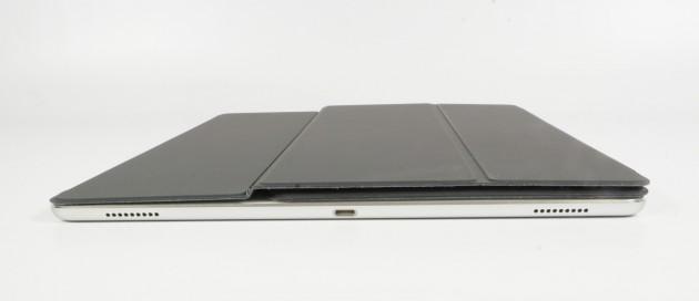 Apple Smart Keyboard zugeklappt Seitenansicht