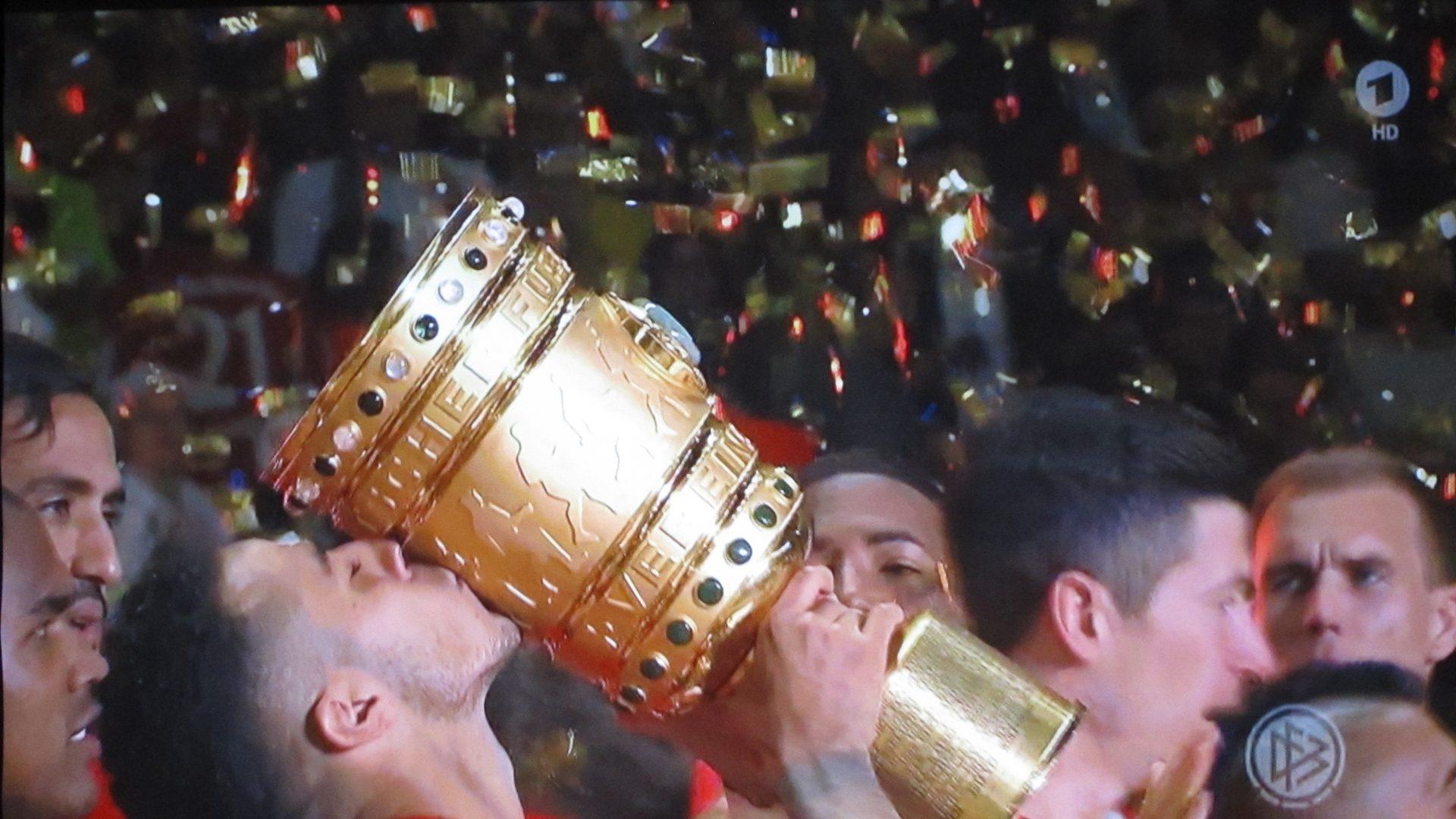 BenQ- W1110S – DFB Finale – Siegesfeier- Das Double ist perfekt