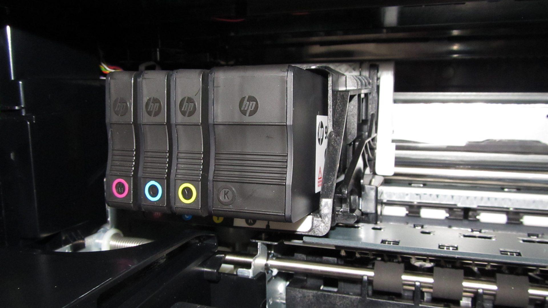 HP-Officejet-Pro-8620—Patronenfach-befuellt