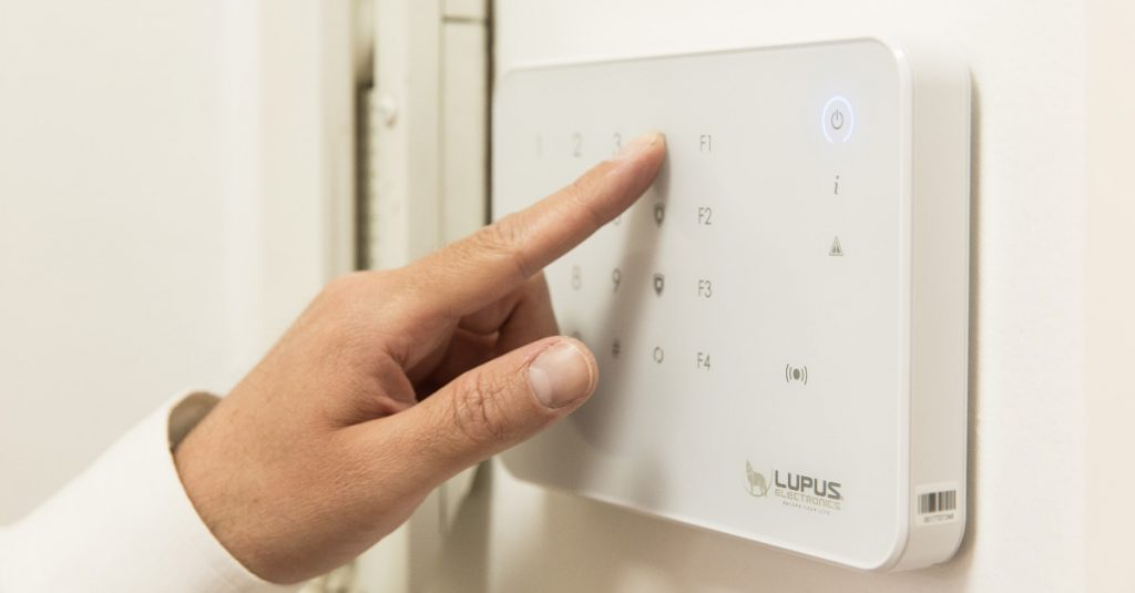 Smart Home: So sichert ihr euer Heim vor Einbruchsdiebstählen