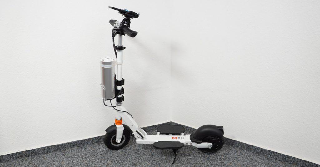 Test AirWheel Elektro-Scooter Z3: Elektro-Roller mit Smartphone-Tacho