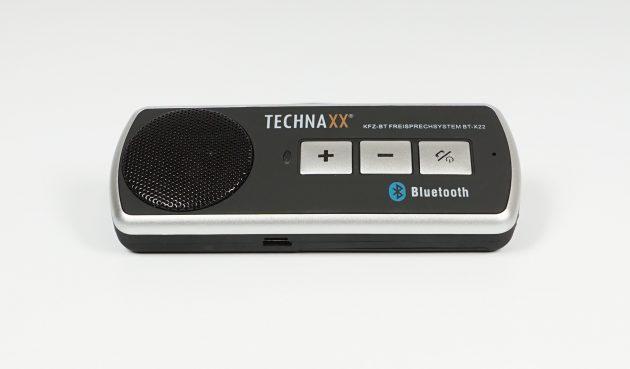 Test Technaxx Bluetooth KFZ-Freisprecheinrichtung BT-X22 Frontansicht schraeg