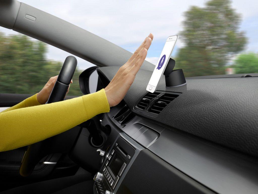 Logi ZeroTouch soll Ablenkungen beim Autofahren minimieren