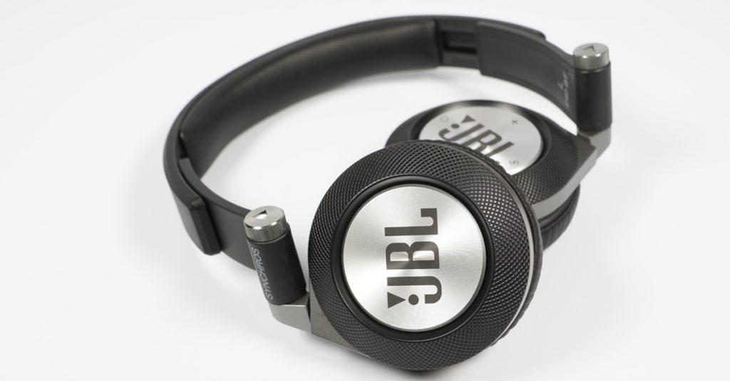 Test JBL Synchros E40BT: On-Ear-Kopfhörer mit Blutooth