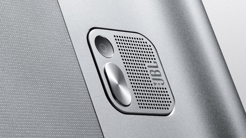 Lenovo_Yoga_Tablet_2_Pro_13-Rueckseite-Kamera