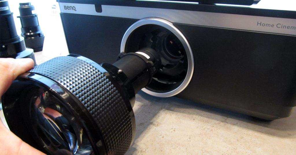 BenQ W8000: Erster Heimkino-Beamer mit wechselbaren Objektiven