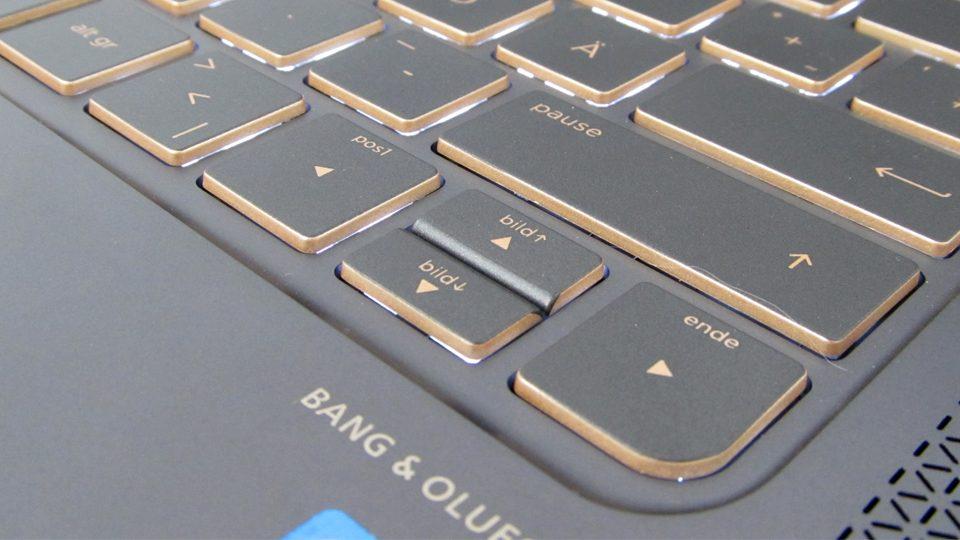 HP-Spectre-13-v002ng–tastatur-5