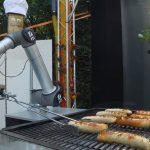 BratWurst Bot auf Berliner Party: Jetzt geht's um die Wurst