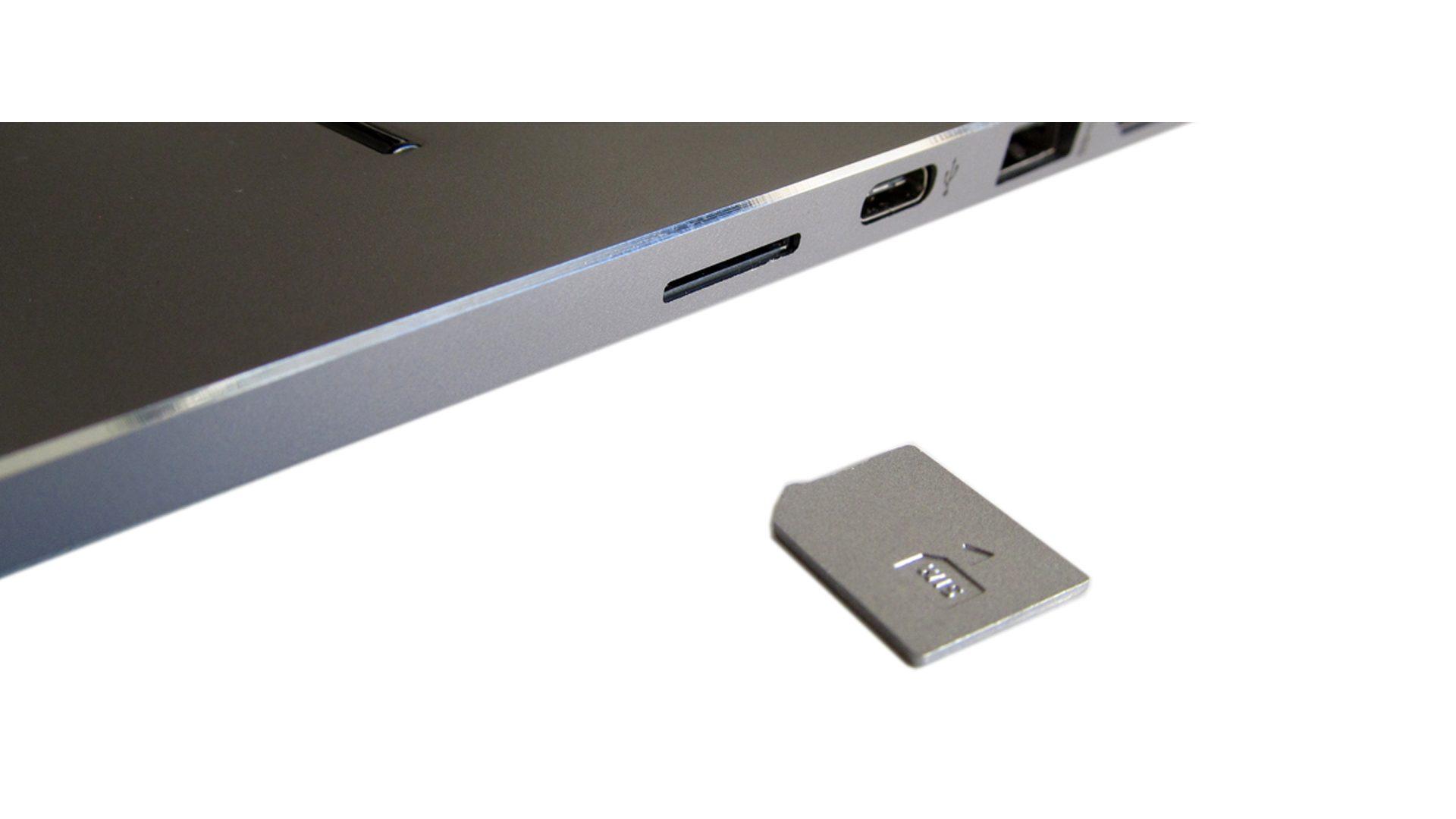 Slot für die SIM-Karte (LTE fähig)