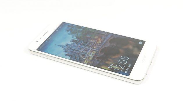 Huawei Honor 8 seitlich liegend