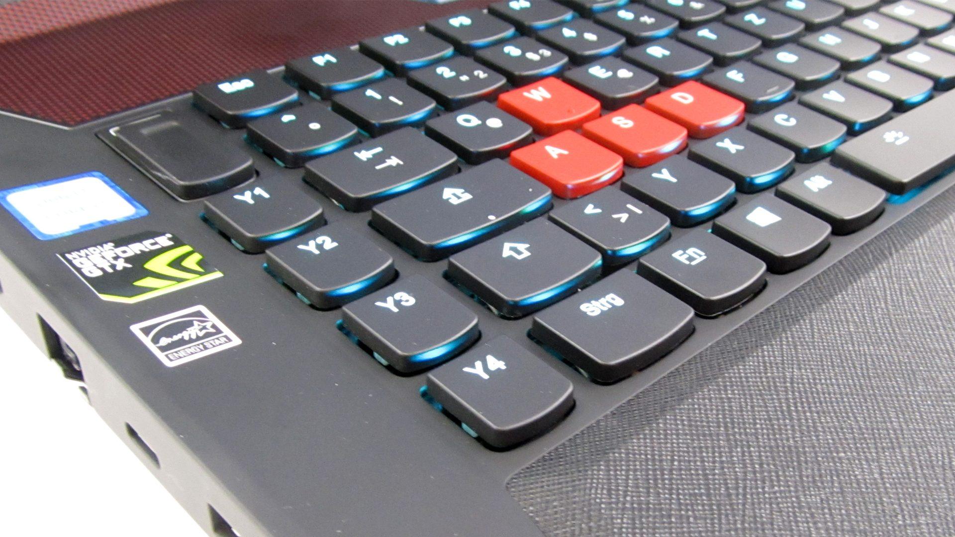 Lenovo-Y900-17ISK-Tastatur_5
