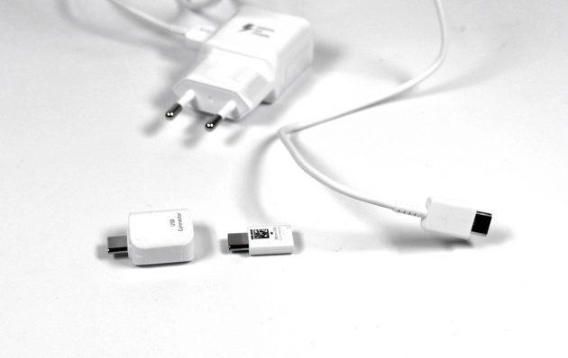 USB-C-Netzteil und Adapter beim Samsung Galaxy Note 7.