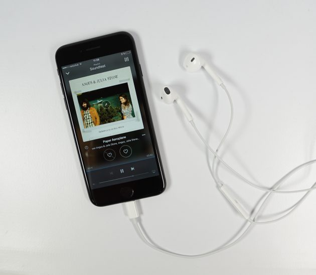 iphone-7-mit-lightning-earpod