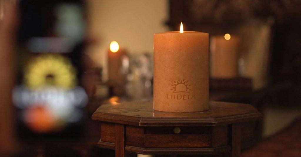 LuDela: Echte Kerze mit Smartphone-Anbindung und Sicherheitssystem