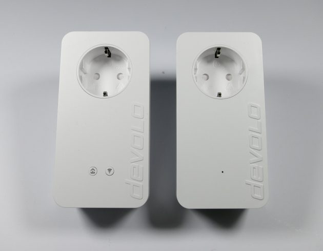 devolo-dlan-550-wifi-adapter-nebeneinander