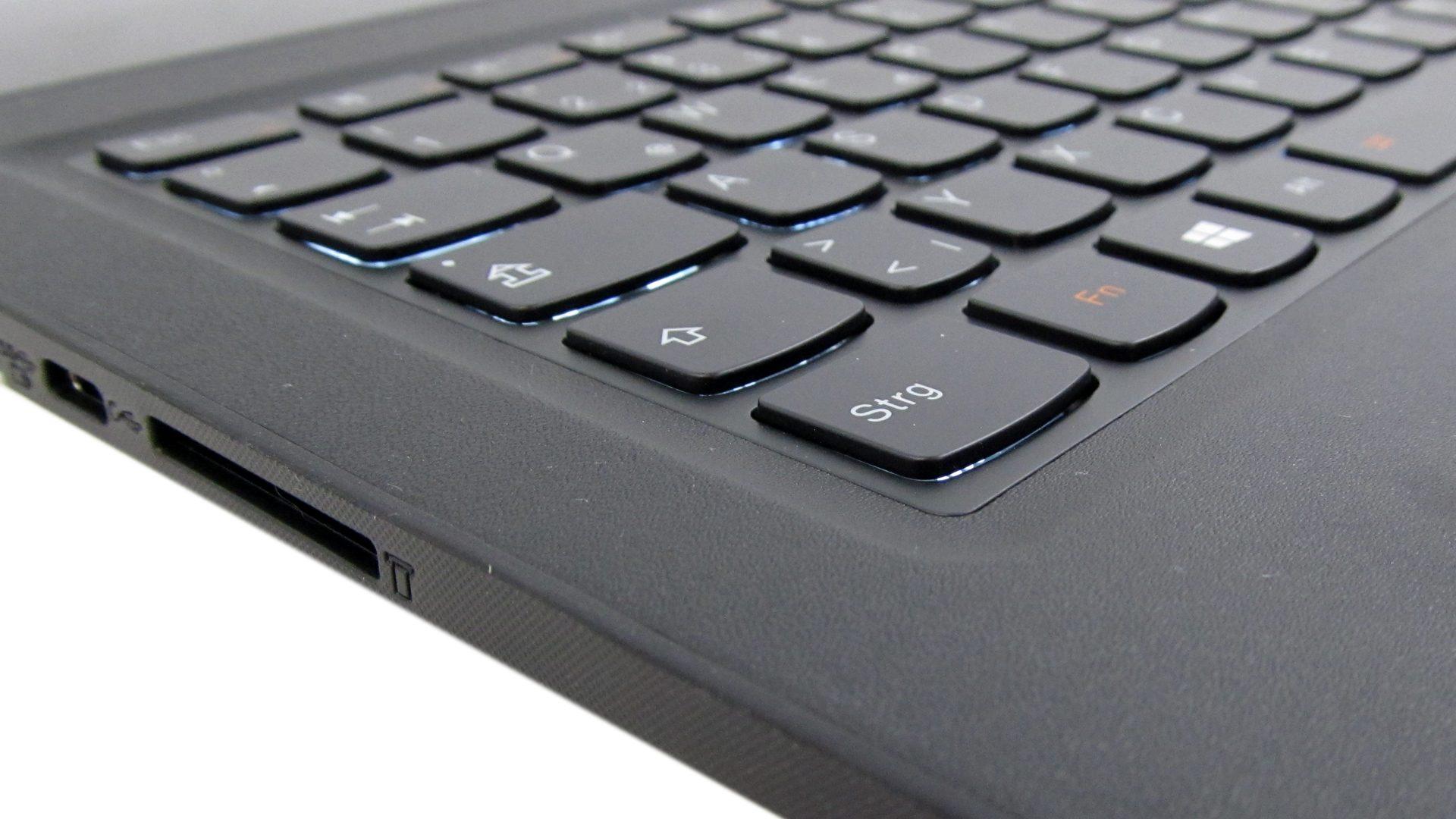 lenovo_yoga_900_13_silver_tastatur_2