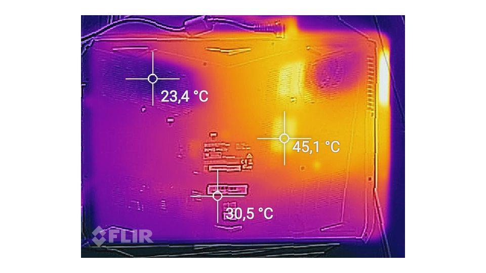 SCHENKER-XMG-P507-VE-gsh-Hitze_2