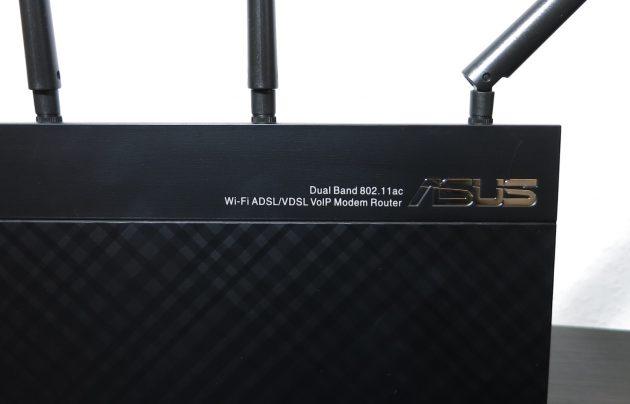 Asus DSL-AC87VG Detail Schrift