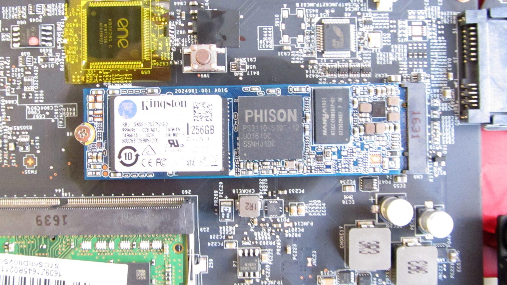 M2-SSD-Modul mit 256 GB