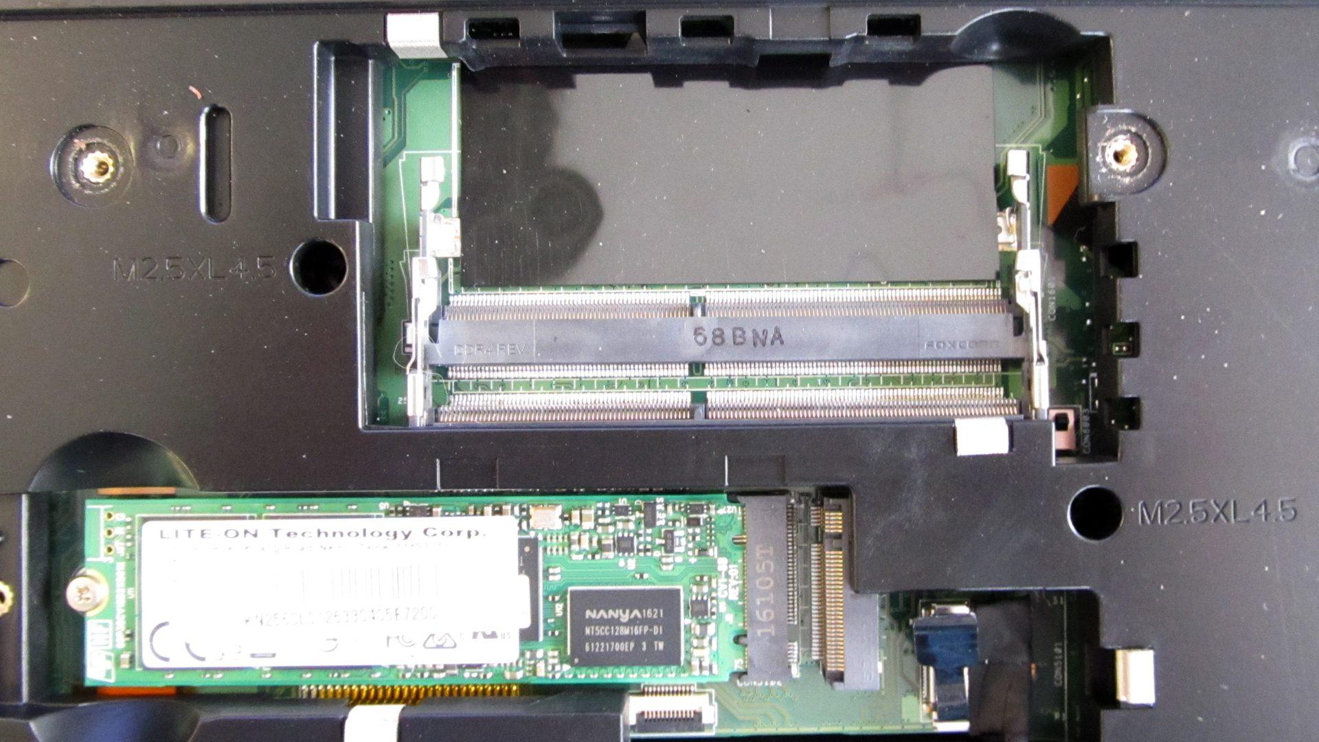 Acer Predator 17 G9-793-79NC innen_4