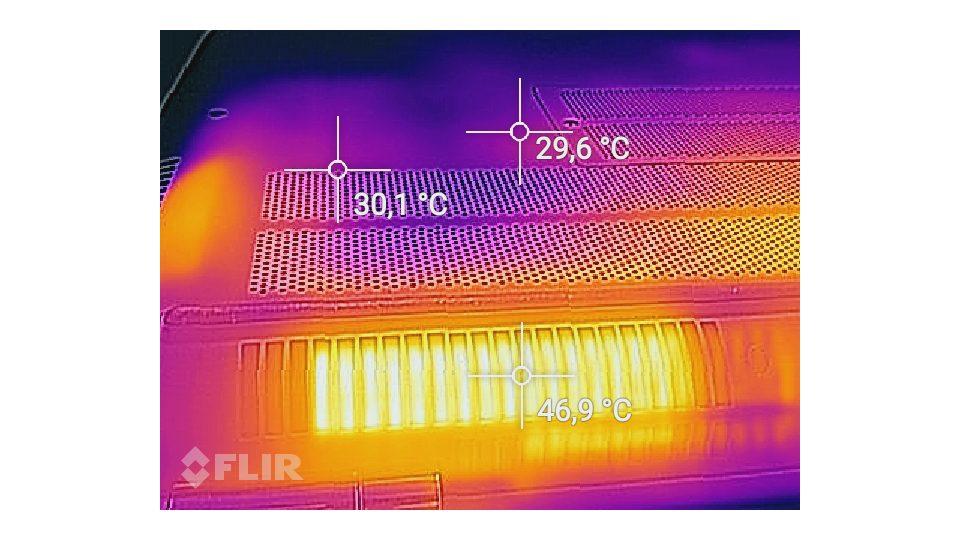 HP-OMEN-17-w107ng Hitze_4