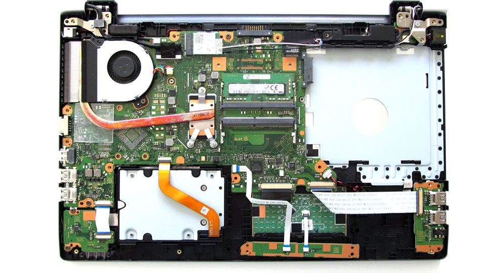 Toshiba-Satellite-Pro-A50 Innen_1