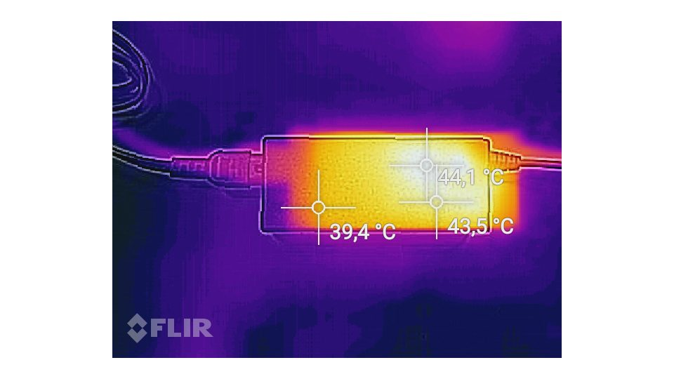 Fujitsu LIFEBOOK A557 Hitze_4